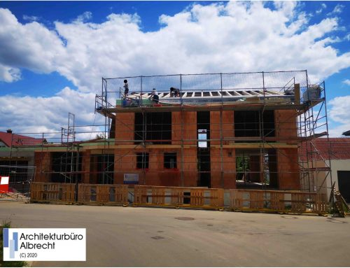 Baustellen-Update : Neubau eines Einfamilienwohnhauses mit Einliegerwohnung und Doppelgarage