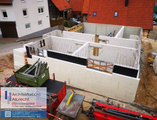 Neues Projekt : Neubau eines Einfamilienwohnhauses mit Doppelgarage im UG